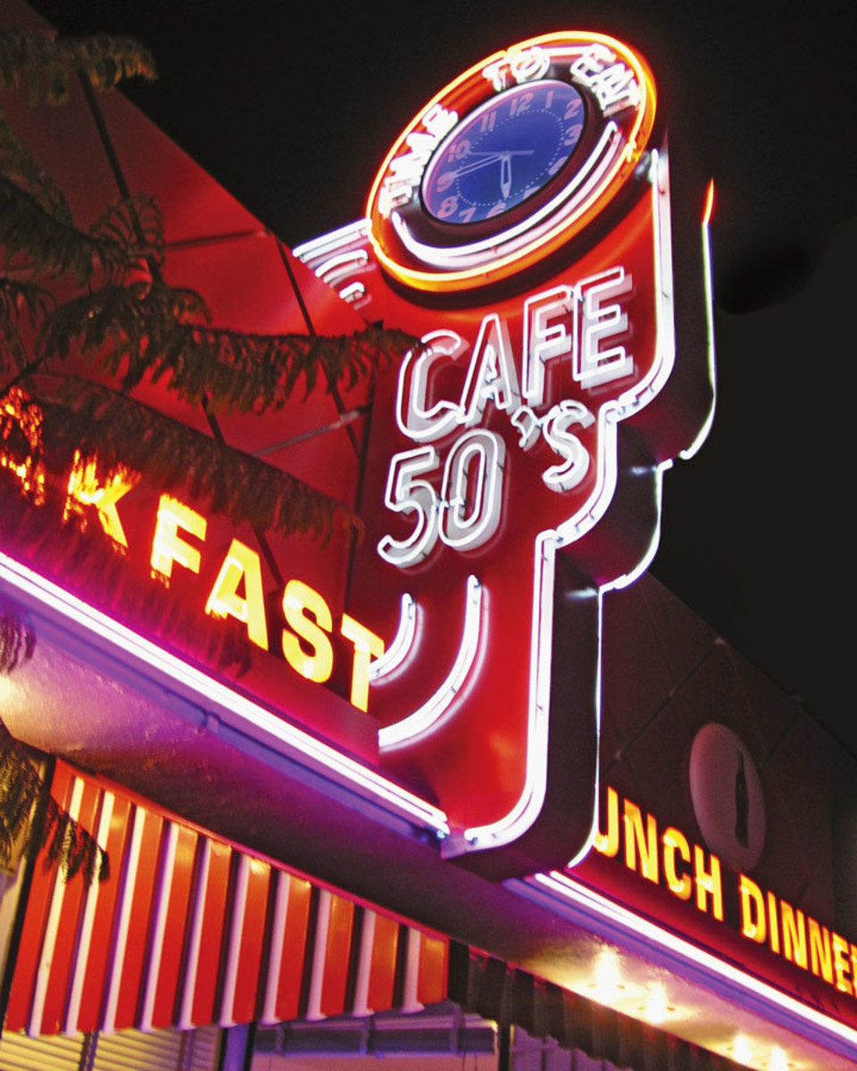 Cafe 50'S Wall Mural Sample