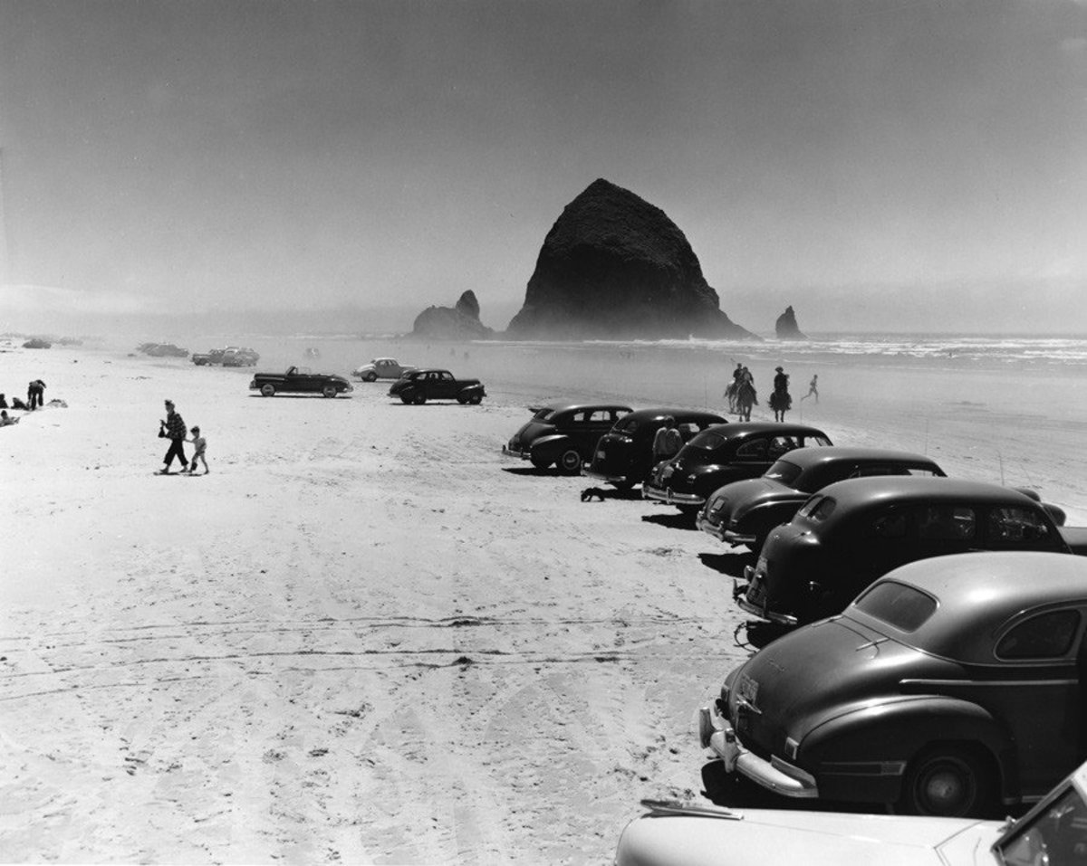 Cannon Beach and Haystack Rock, OR Wallpaper Mural Sample