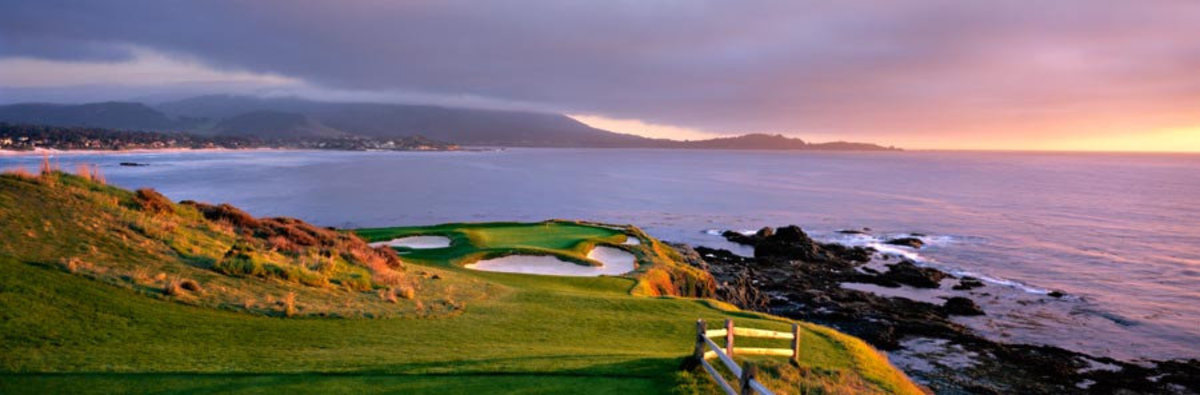 Pebble Beach Golf Links - 7th Hole Panoramic