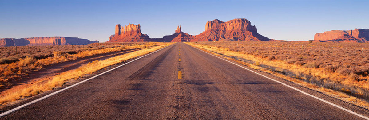 Road Monument Valley, Arizona Wall Mural
