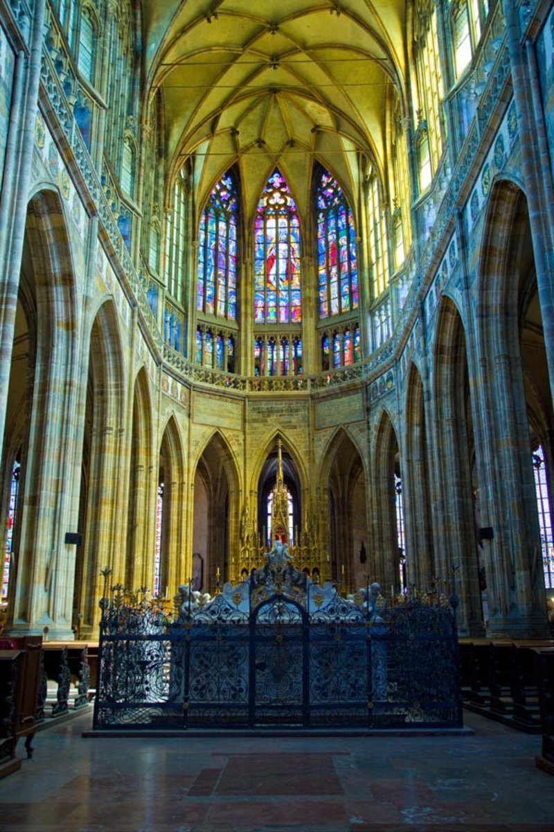 St. Vitus Cathedral, Prague Wallpaper Mural Sample
