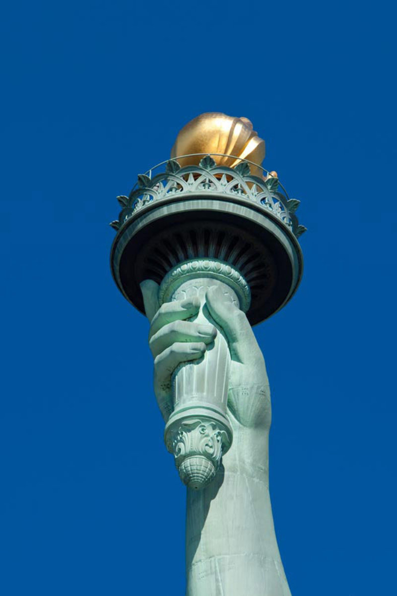 Statue of Liberty Flame Mural Wallpaper Sample