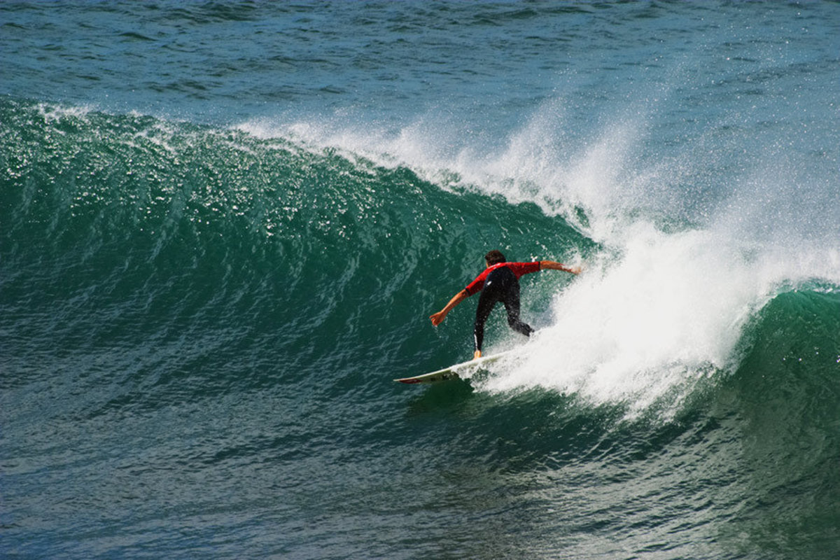 Surfer, Bells Beach Wallpaper Mural Additional Thumbnail
